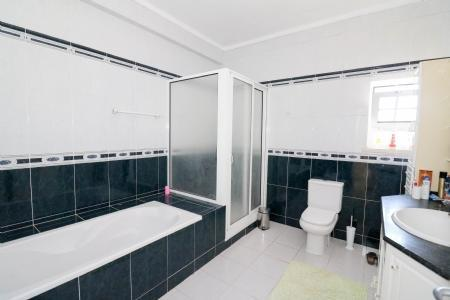 Image 17, 4 Bedroomed Villa : JV101879