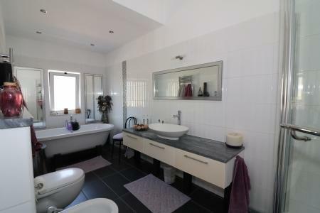 Image 17, 3 Bedroomed Villa : JV10186