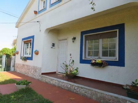 Image 1, 3 Bedroomed Villa : AV1778