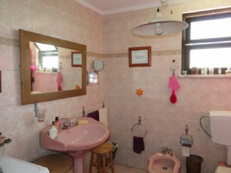Image 12, 3 Bedroomed Villa : AV1778