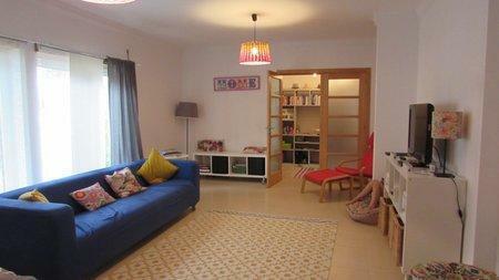 Image 3, 3 Bedroomed House : AV2000
