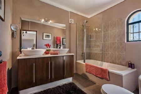 Image 11, 3 Bedroomed Villa : JV10241