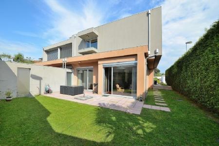 Image 1, 4 Bedroomed Villa : AVP25