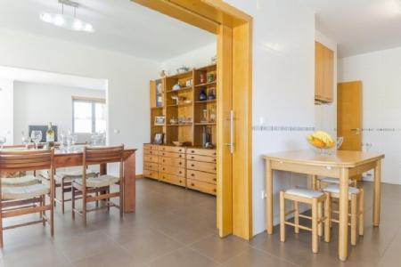 Image 6, 4 Bedroomed Villa : AV1878