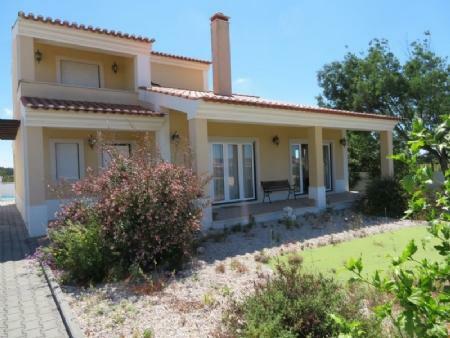 Image 1, 4 Bedroomed Villa : AV1884