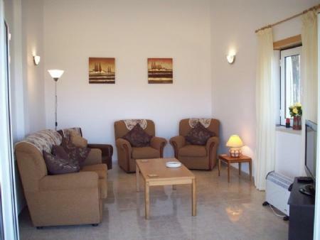 Image 9, 4 Bedroomed Villa : AV1884