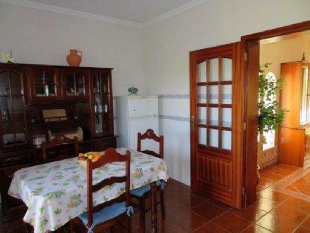 Image 5, 3 Bedroomed House : AV1889