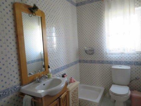 Image 8, 3 Bedroomed House : AV1889