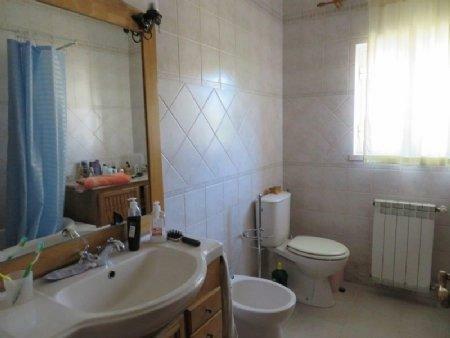 Image 11, 3 Bedroomed House : AV1889
