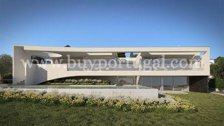 Image 1, 4 Bedroomed Villa : GV200