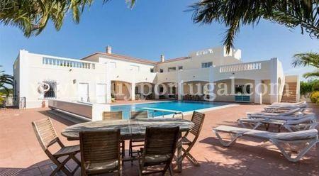 Image 1, 6 Bedroomed Villa : GV532