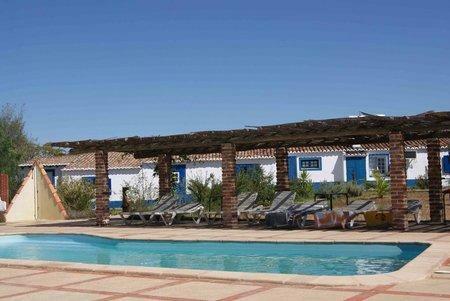 Image 3, 10 Bedroomed Villa : AVI332
