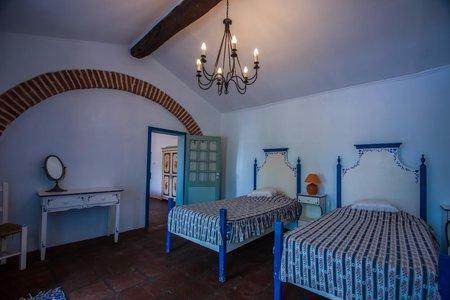 Image 12, 10 Bedroomed Villa : AVI332