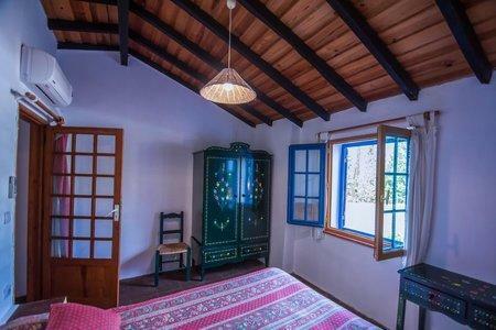 Image 13, 10 Bedroomed Villa : AVI332