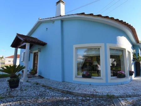 Image 2, 4 Bedroomed Villa : AV1993