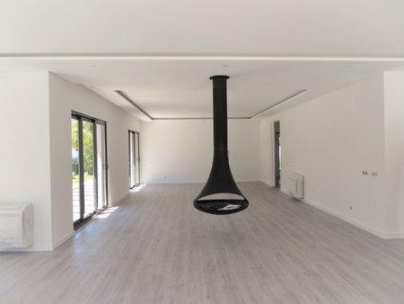 Image 4, 5 Bedroomed Villa : AVM183