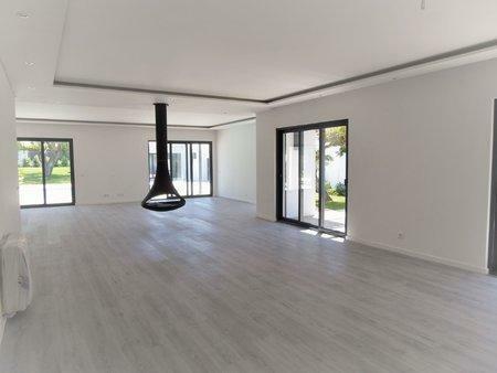 Image 10, 5 Bedroomed Villa : AVM183