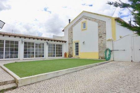 Image 1, 3 Bedroomed Villa : AV2001