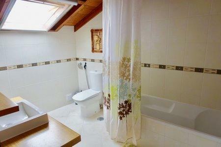 Image 11, 3 Bedroomed Villa : AV2001