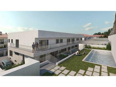 Image 1, 4 Bedroomed Villa : AVM205