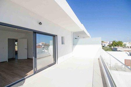 Image 2, 3 Bedroomed Townhouse : PV3520