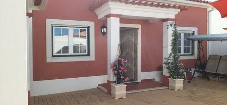 Image 3, 3 Bedroomed Villa : AV2021