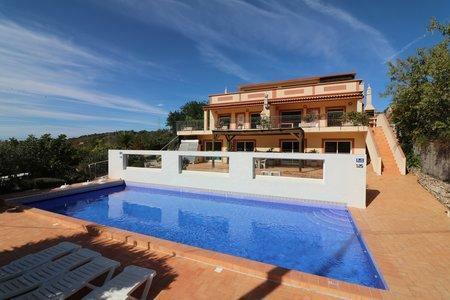 Image 1, 6 Bedroomed Villa : JV10386