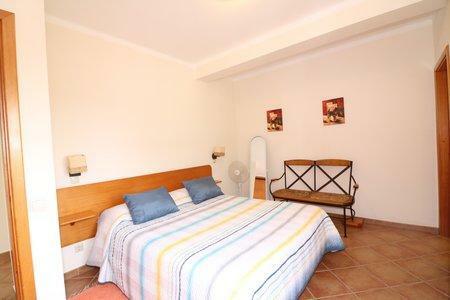 Image 14, 6 Bedroomed Villa : JV10386