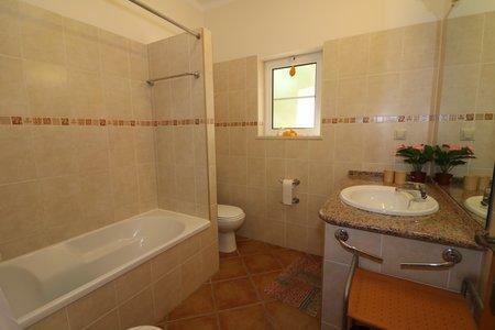 Image 15, 6 Bedroomed Villa : JV10386