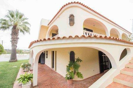 Image 1, 5 Bedroomed Villa : PV3528