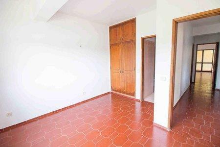 Image 12, 5 Bedroomed Villa : PV3528