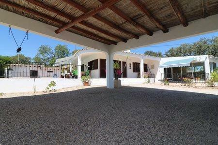 Image 2, 3 Bedroomed Villa : JV10377
