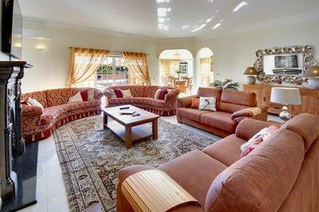 Image 2, 5 Bedroomed Villa : GV585