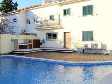 Image 1, 5 Bedroomed Villa : AVM210