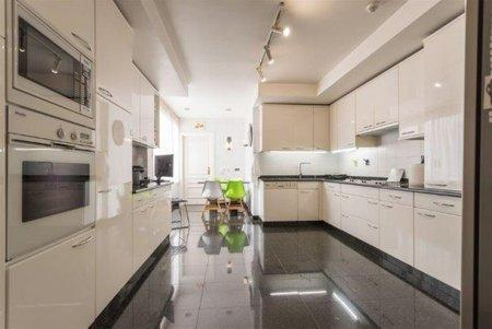 Image 2, 3 Bedroomed Apartment : AA341