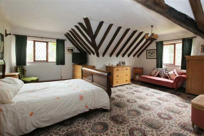 MASTER BEDROOM (Blakenhall Suite)