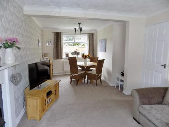 Lounge to Dining Area