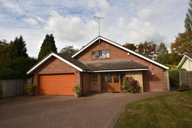 4 Bedroom Detached Bungalow For Sale In Sandal Rise Solihull B91
