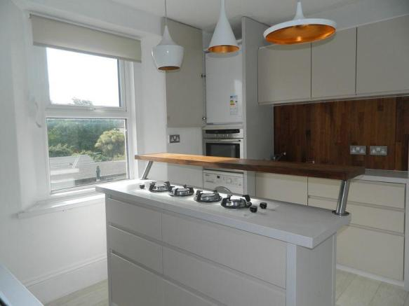 Kitchen Photo 2