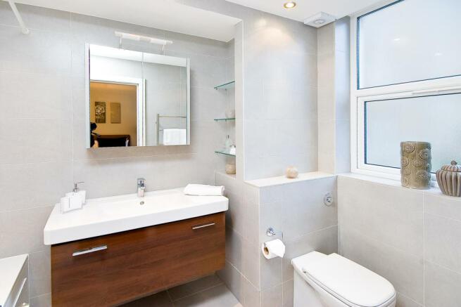 bathroom-975