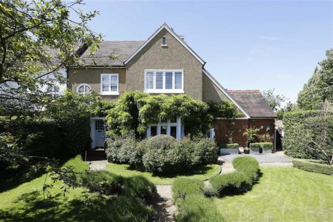6 bedroom semi-detached house for sale. Dulwich Village ...