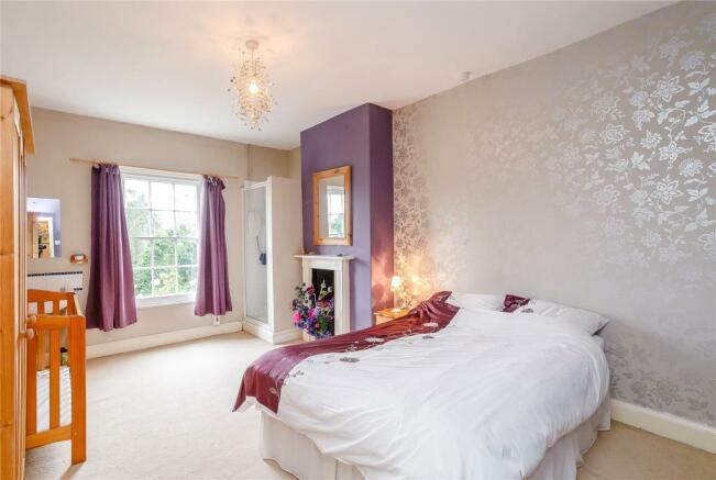 5 Double Bedrooms