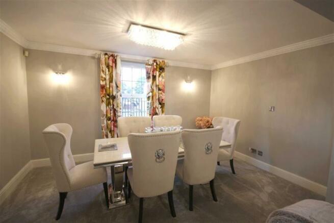 Open Plan Sitting Room & Dining Room