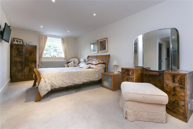 G/Floor Bedroom 5