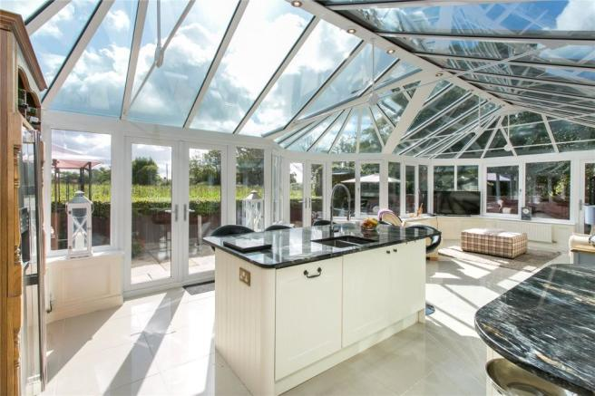 Kitchen/Conservatory