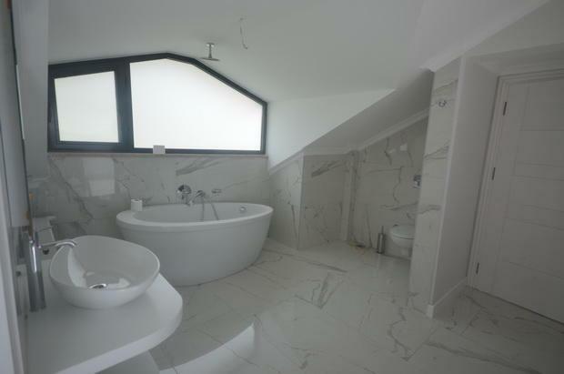 En-suite Bedroom 5