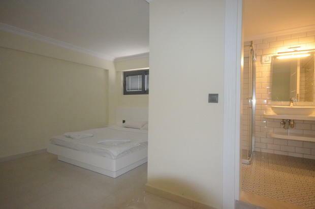 Bedroom Seven (Apt)
