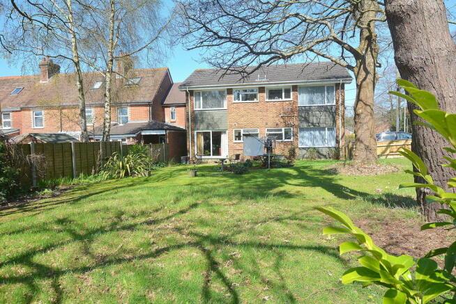 1 bedroom apartment for sale in Ridgeway, Broadstone, BH18