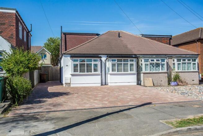 house-langley-avenue-worcester-park-1027.jpg