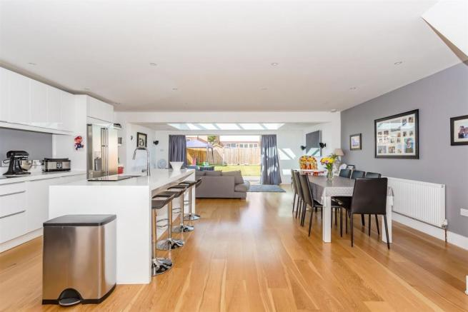 house-langley-avenue-worcester-park-1010.jpg
